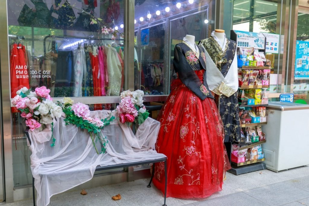 hanbok store in seoul